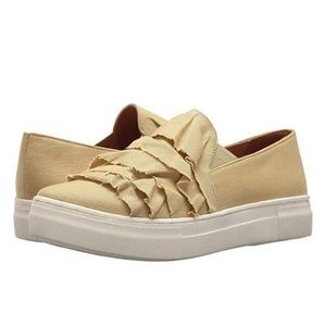 SEYCHELLES New Quake 2 Leather Low Top Slip On 9.5